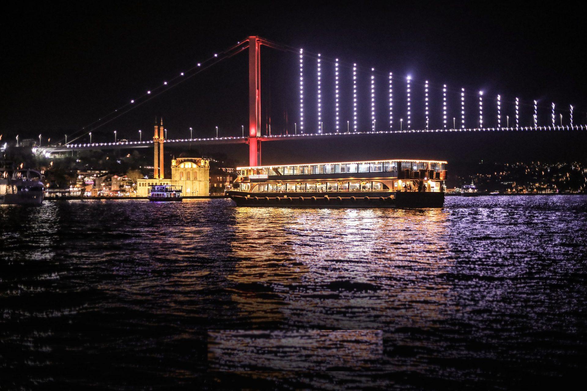 السفينة الذهبية اسطنبول